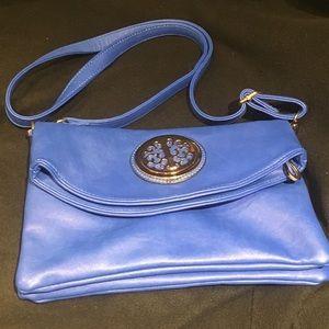 Handbags - NWOT Blue crossbody purse